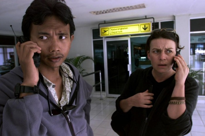 Faith and Indonesian colleague Ruwi after their kidnap ordeal at the hands of a timber baron's henchmen in 2000 (c) EIA