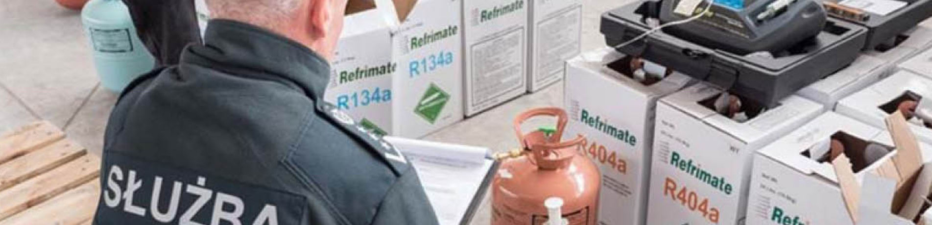 Polish official investigates refrigerant containers for illegal hydrofluorocarbons (HFCs)