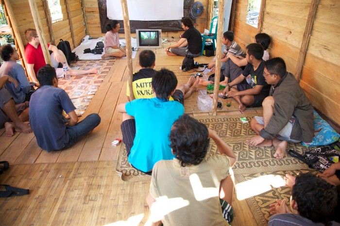 A training session in Muara Tae, Indonesia, shares the skills needed to help Dayak villagers fend off encroachment from palm oil plantation (c) EIA